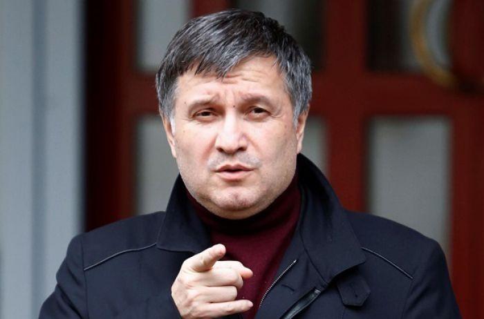 У Луцьку захопили автобус - що важливого розповів Аваков