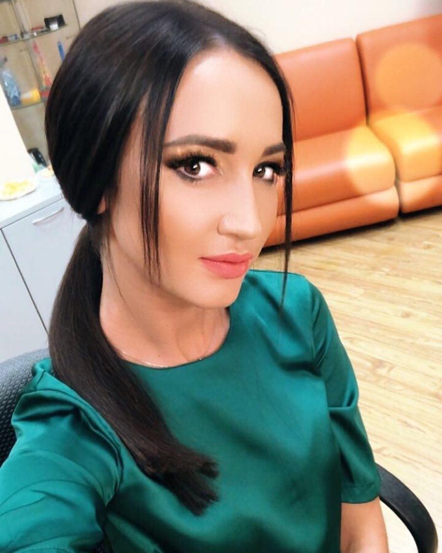 Ольга Бузова чересчур редактирует свои фото, уверены фанаты