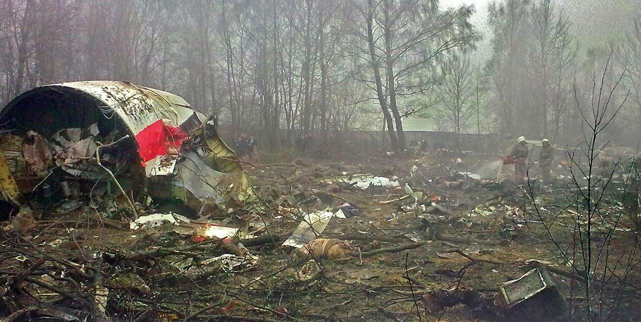 Бывший министр нацобороны Польши сообщил, что президентский самолет Ту-154 уничтожили взрывы