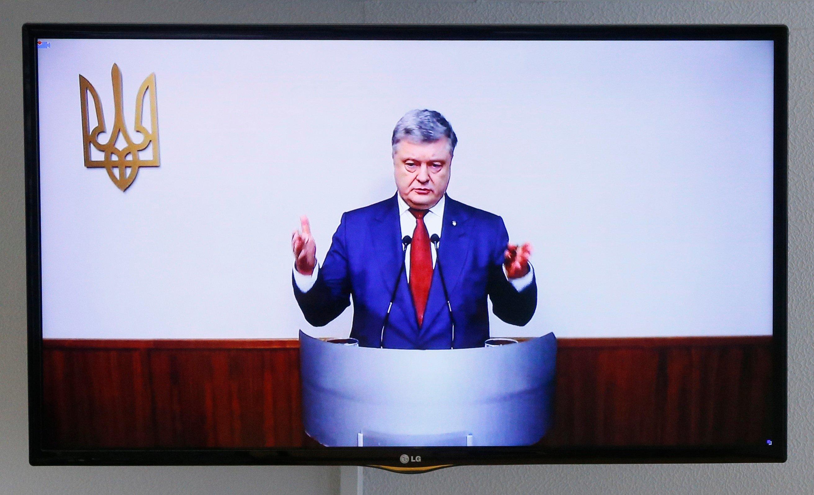 Петр Порошенко проводил совещание с военными по закону о деоккупации Донбасса
