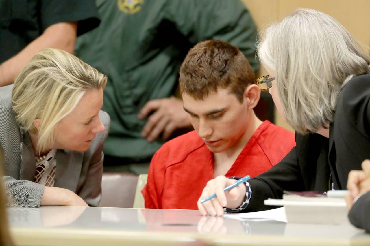Адвокаты просят для Николаса Круза пожизненного заключения Фото: MIKE STOCKER/PRESS POOL