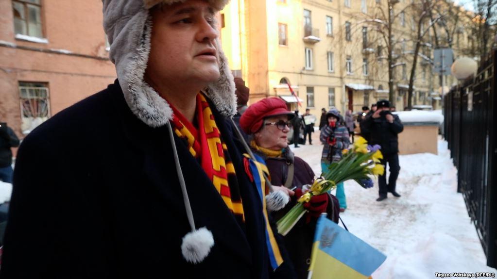 В Питере прошла акция к годовщине трагических событий на Майдане