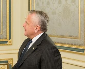 США будут продолжать поддерживать Украину, подчеркнул Джон Салливан