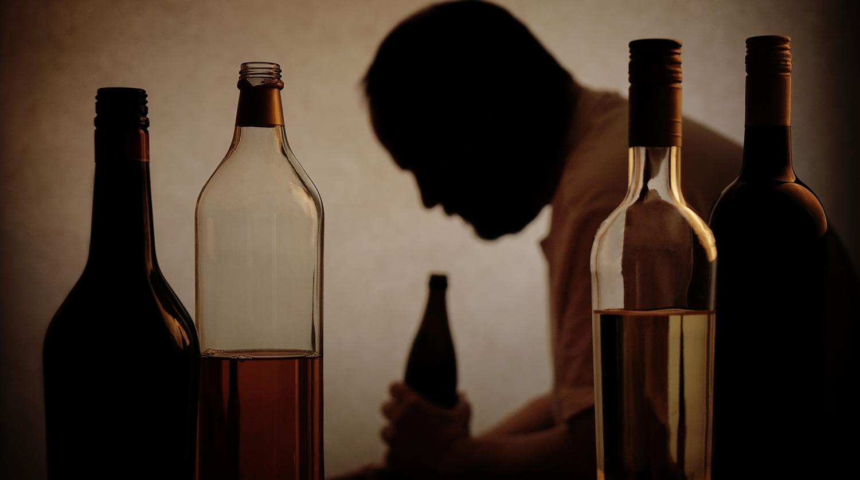 Частое употребление алкоголя приводит к слабоумию
