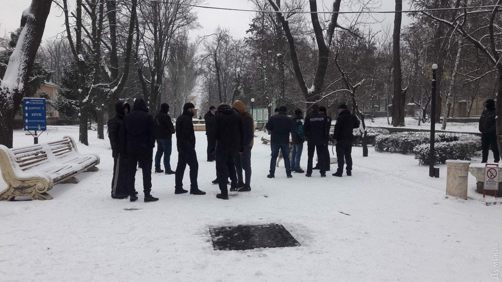 В Одессе вооруженные люди пытались захватить санаторий: детали инцидента