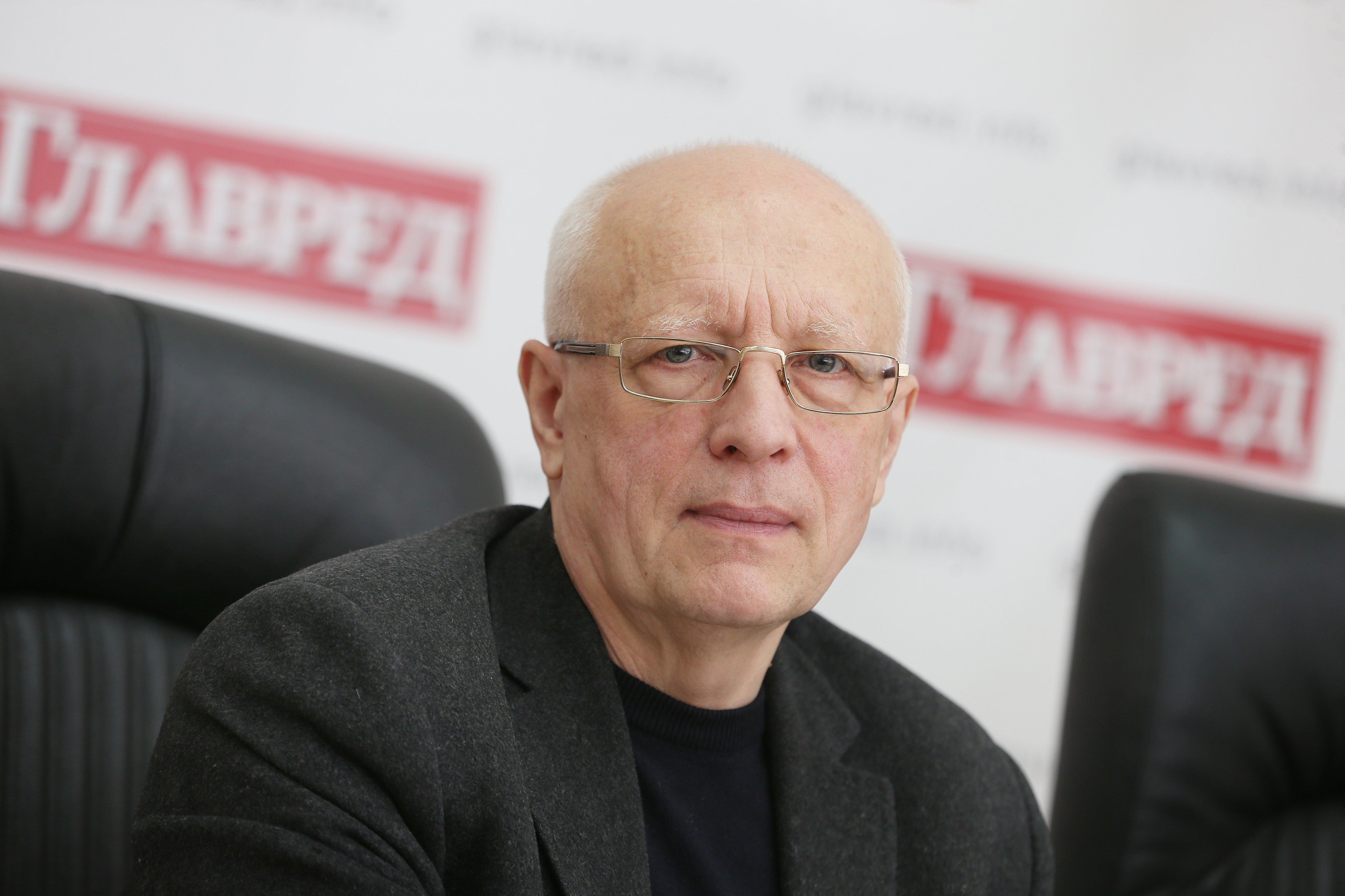 Олег Соскин, без лого