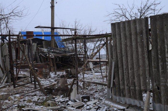 Накануне боевики обстреляли Луганское Фото: Facebook/ato.news