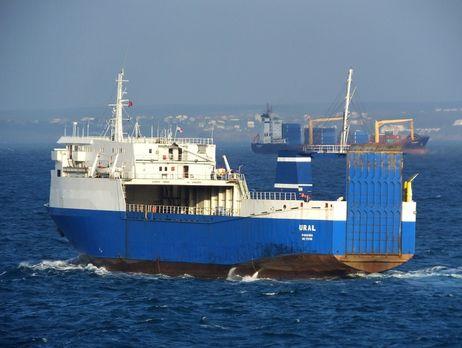 В Тунисе задержали судно с военной техникой