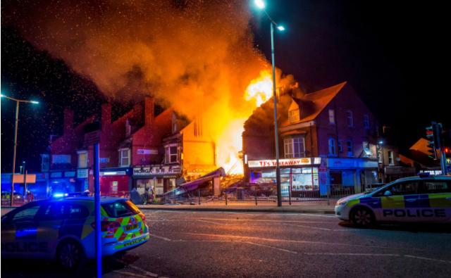 Взрыв разрушил дом и магазин Фото:  JASON SENIOR/SWNS.COM