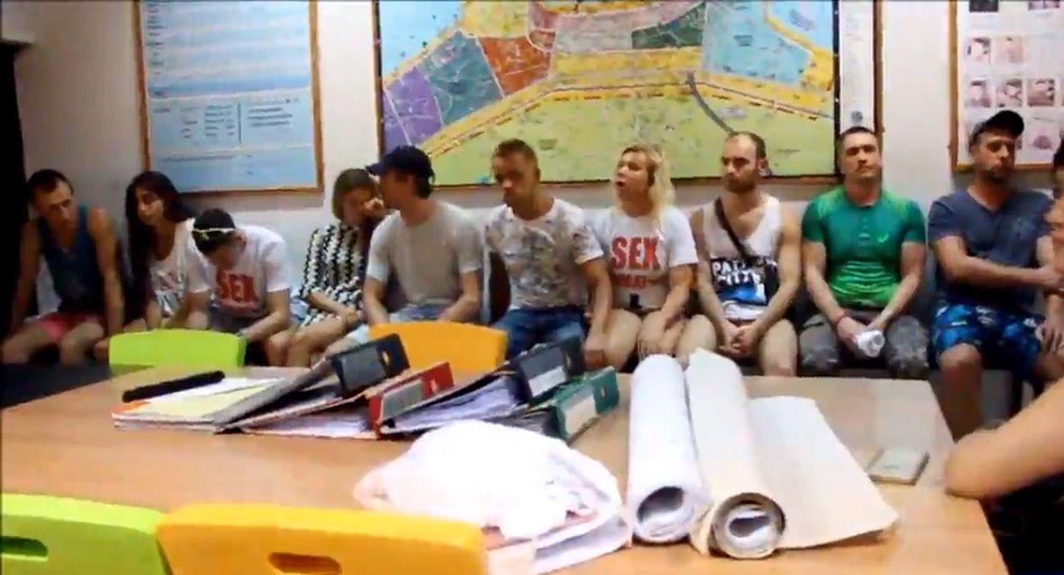Десять организаторов