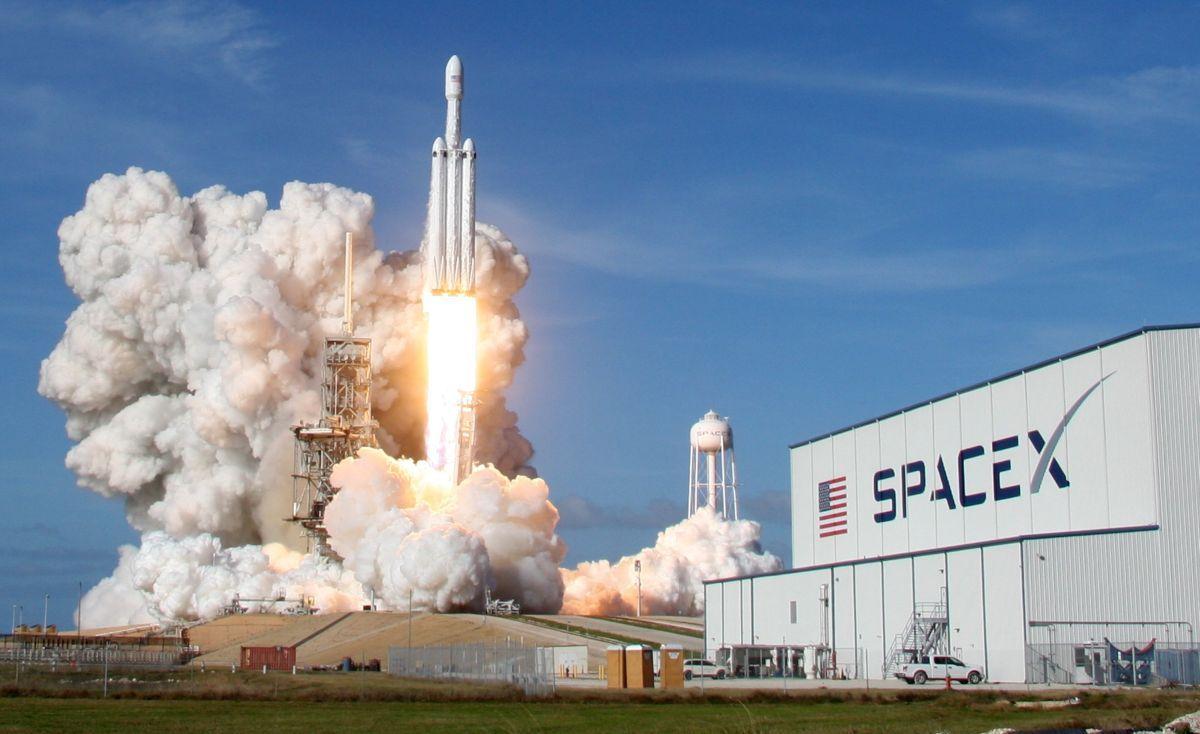 Запуск ракеты Falcon Нeavy