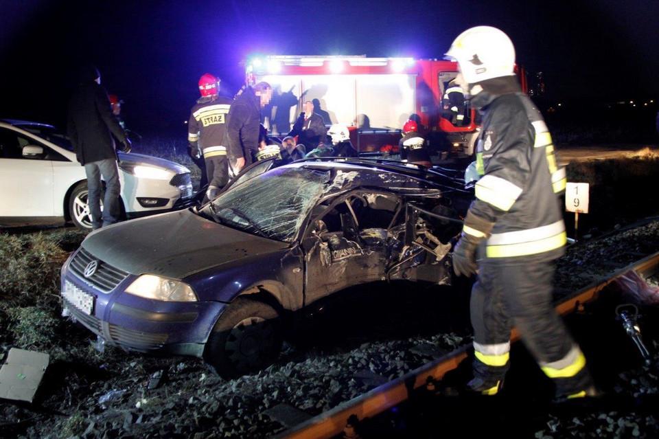 В Польше автомобиль с украинцами столкнулся с поездом: все пассажиры погибли, фото
