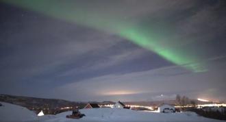 В Норвегии запечатлели красочное северное сияние