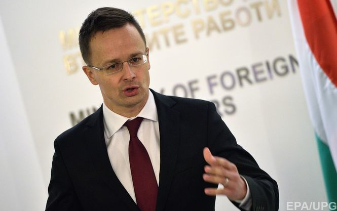 Петер Сийярто заявил, что правительство Украины хочет лишить нацменьшинства возможности пользоваться родным языком
