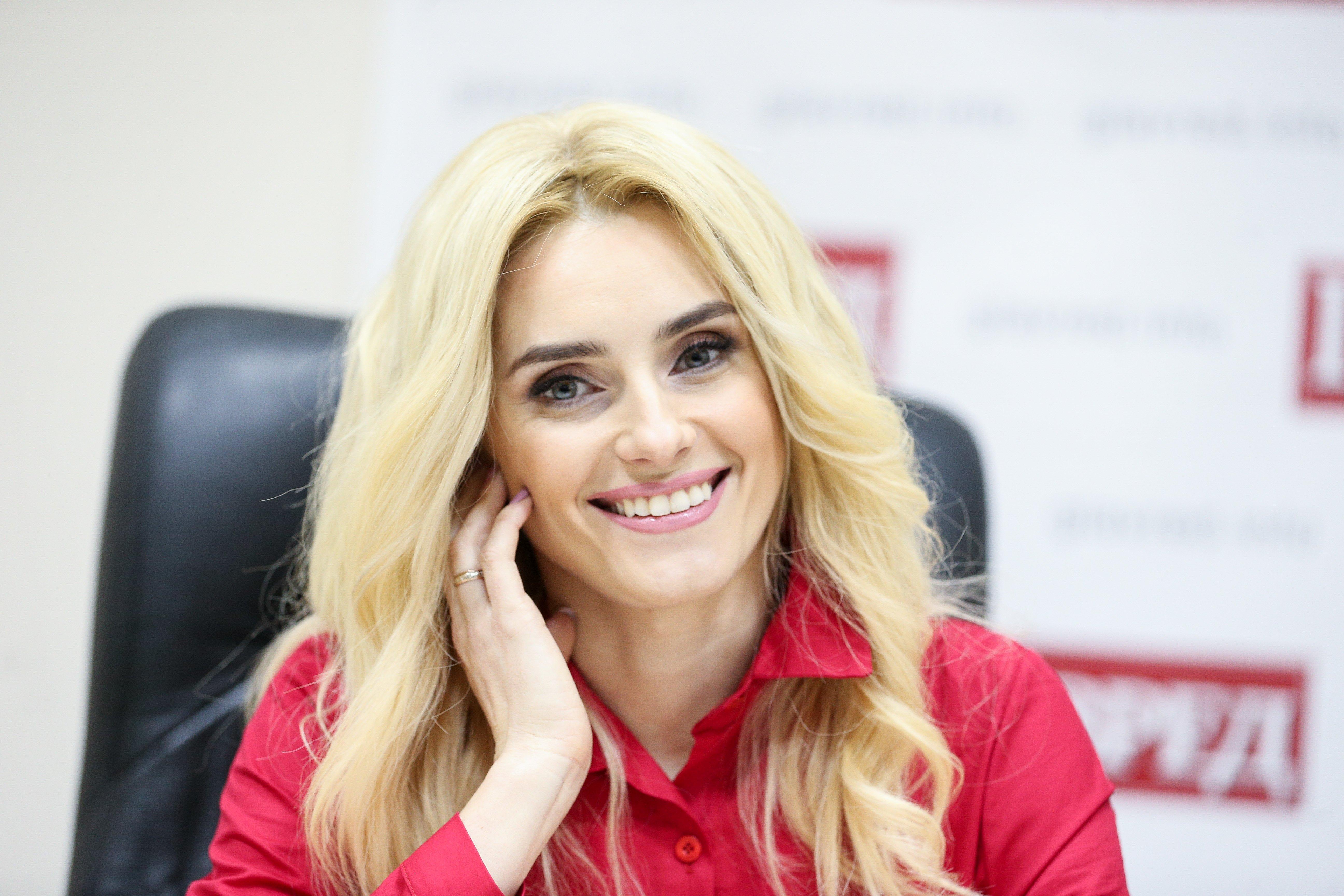 Ирина Федишин, без лого
