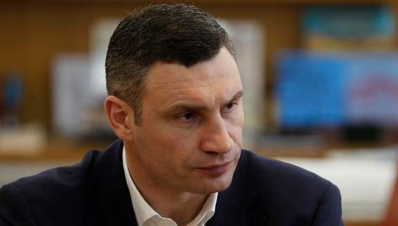 Виталий Кличко попал в клинику в Австрии из-за обострения последствий старой травмы спины