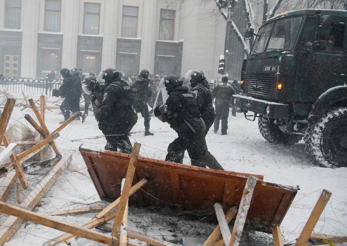 У Порошенко будет больше репутационных потерь от разгона палаточного городка