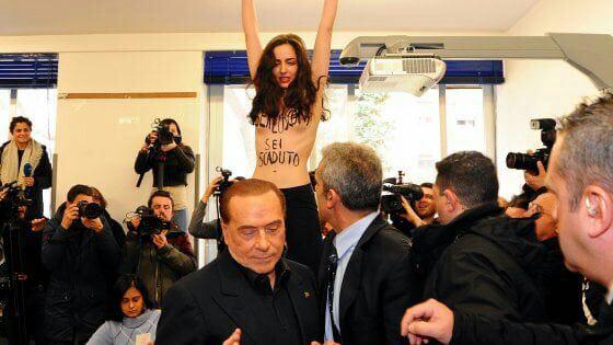 Участница Femen протестовала перед носом Берлускони