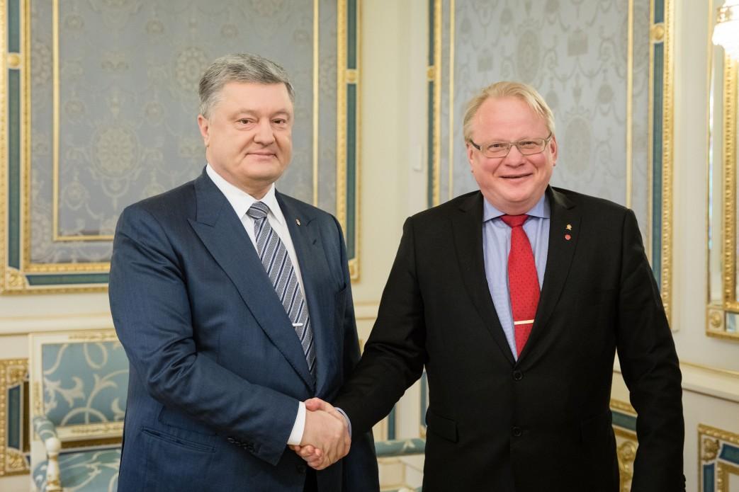 Петр Порошенко встретился с Петером Хультквистом