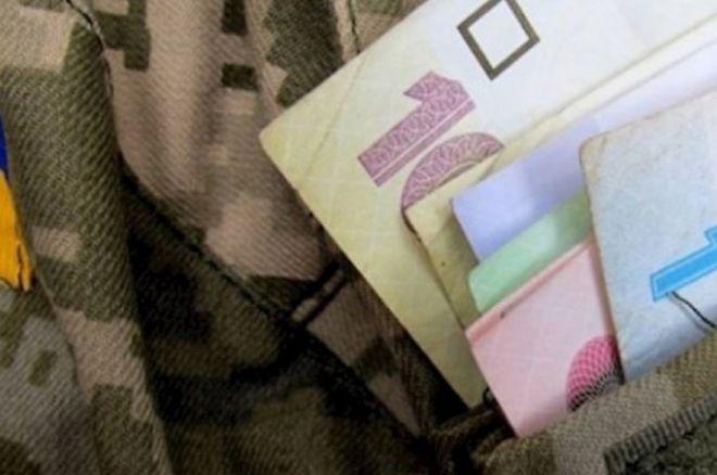 с 1 января нынешнего года среднее повышение пенсий для военных составит 1,5 тысячи гривен