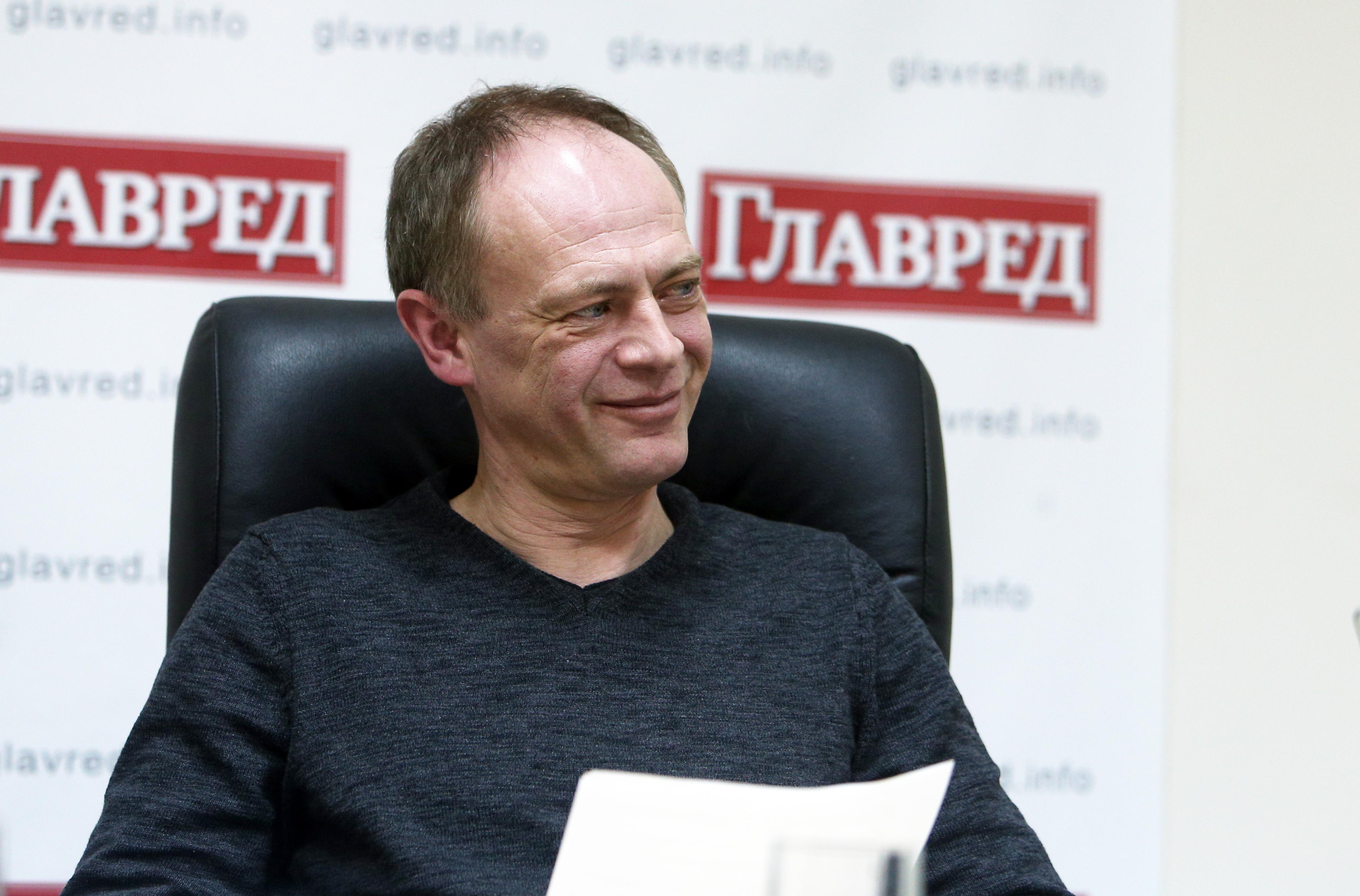 Павло Крахмальов