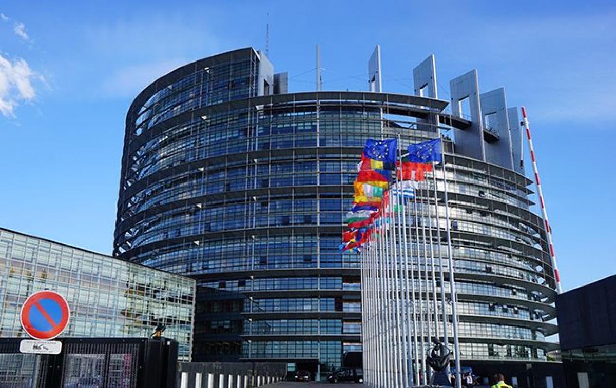 Европарламент отказывается от наблюдения за процессом голосования в России и Азербайджане