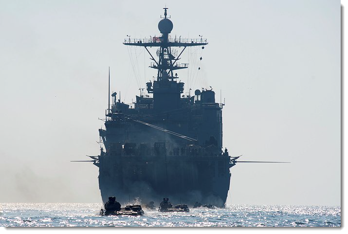 USS Oak Hill LSD-51 вошел в Черное море