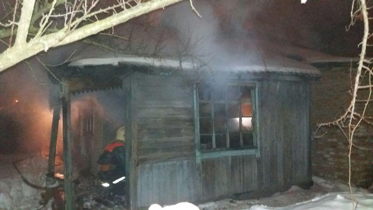 В Сумах при тушении пожара в доме нашли три тела