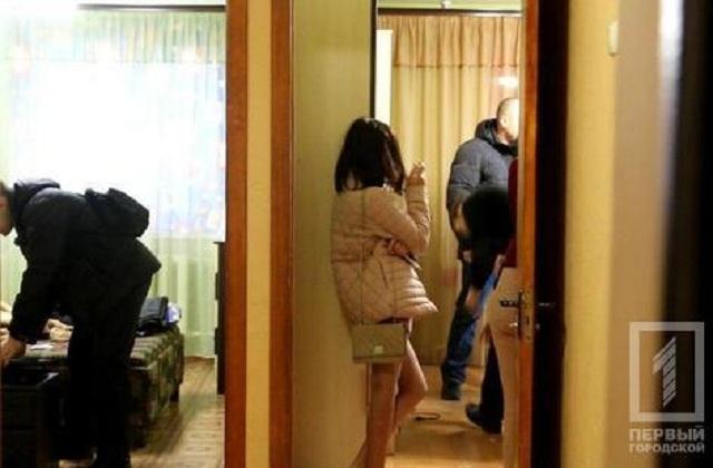 Интернет-порностудия работала в съемной квартире