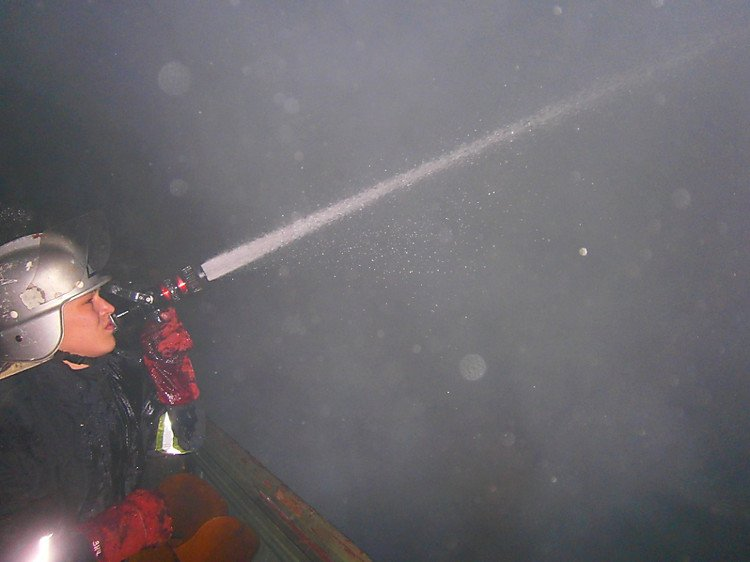 В Днепре пожар, в результате которого погибли три человека, мог произойти из-за возгорания роутера
