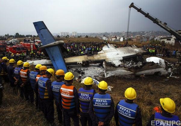 Авиакомпания и аэропорт Катманду называют друг друга виновными в авиакатастрофе