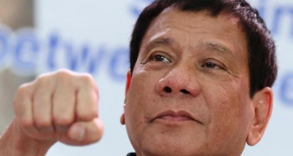 Филлипинский президент постоянно вводит в шок публику чем-нибудь этаким