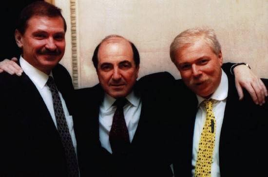 Николай Глушков (слева) с Борисом Березовским (по центру).