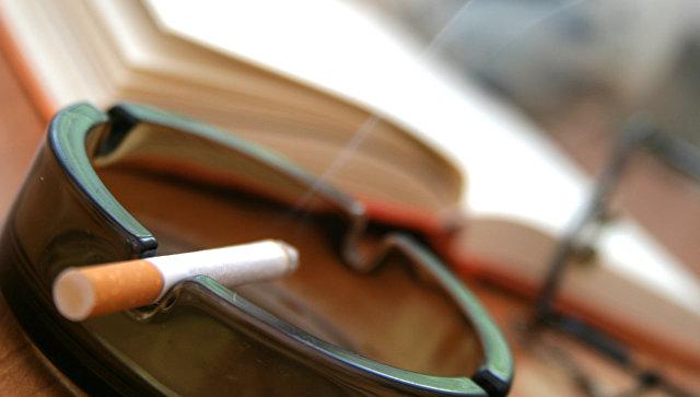 Правительство хочет заставить людей платить за сигареты столько же, сколько платят в Польше