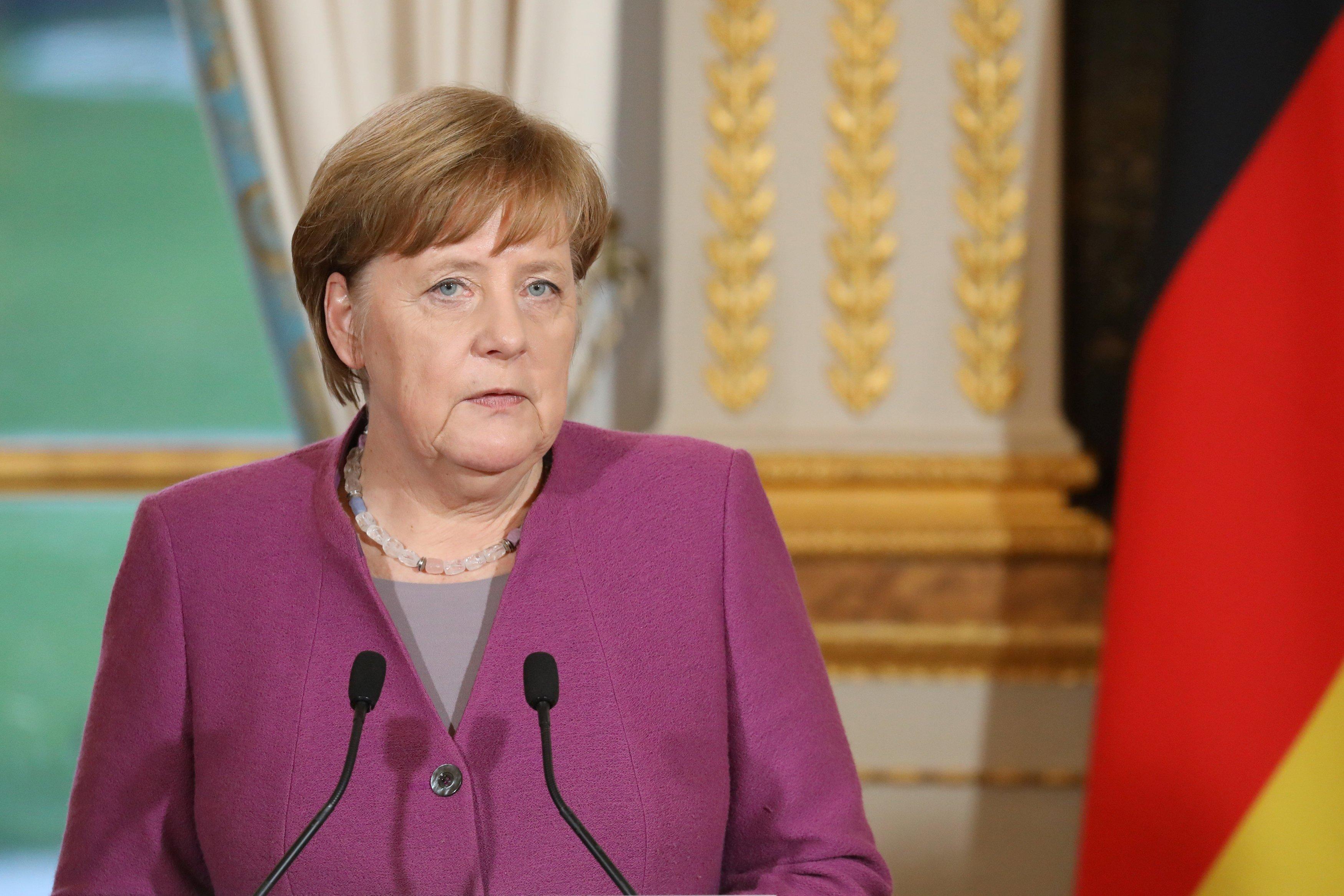 Меркель договорилась ускорить возврат мигрантов