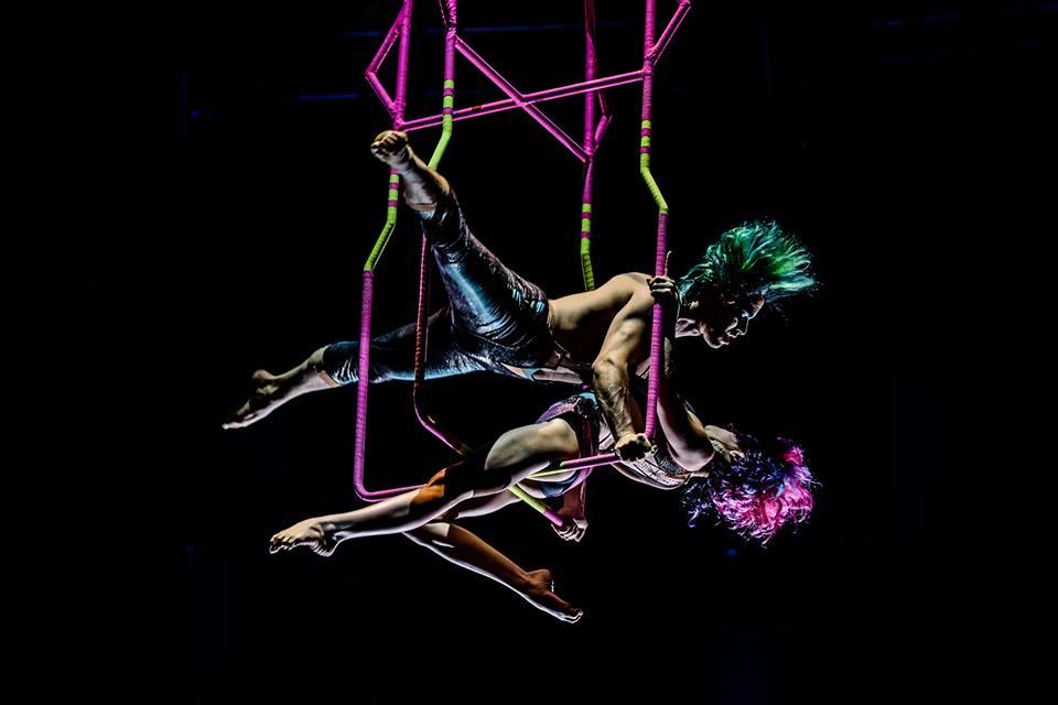 В знаменитом цирке акробат сорвался из-под купола