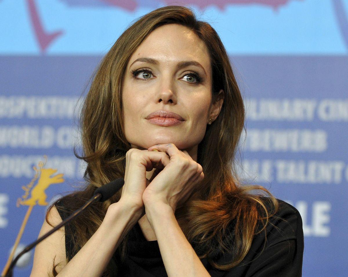 Джоли собирается замуж за британского миллионера