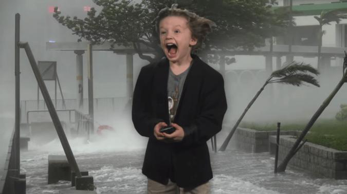 Реакция малыша на виртуальные погодные явления сногсшибательна