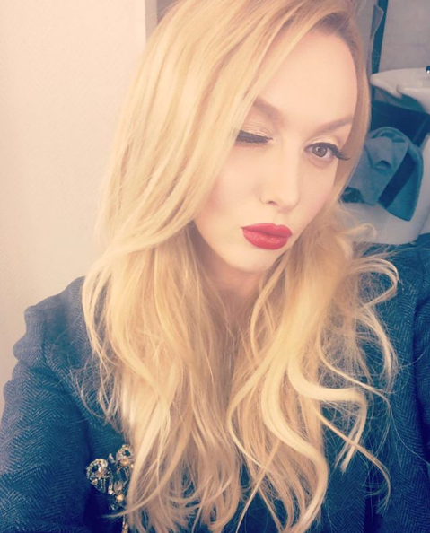 Оля Полякова позировала с дочкой Машей