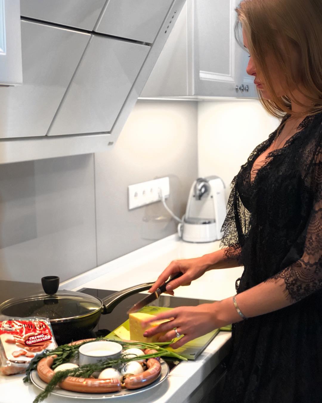 Певица рассказала, как готовит омлет