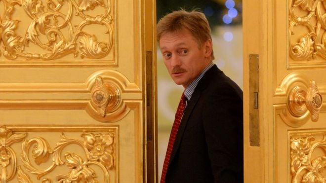 Песков считает, что замешанные в секс-скандале российские журналистки ведут себя, как проститутки