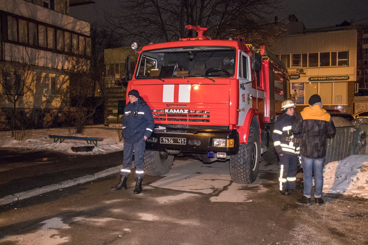 В Киеве взорвался джип, пострадал его владелец