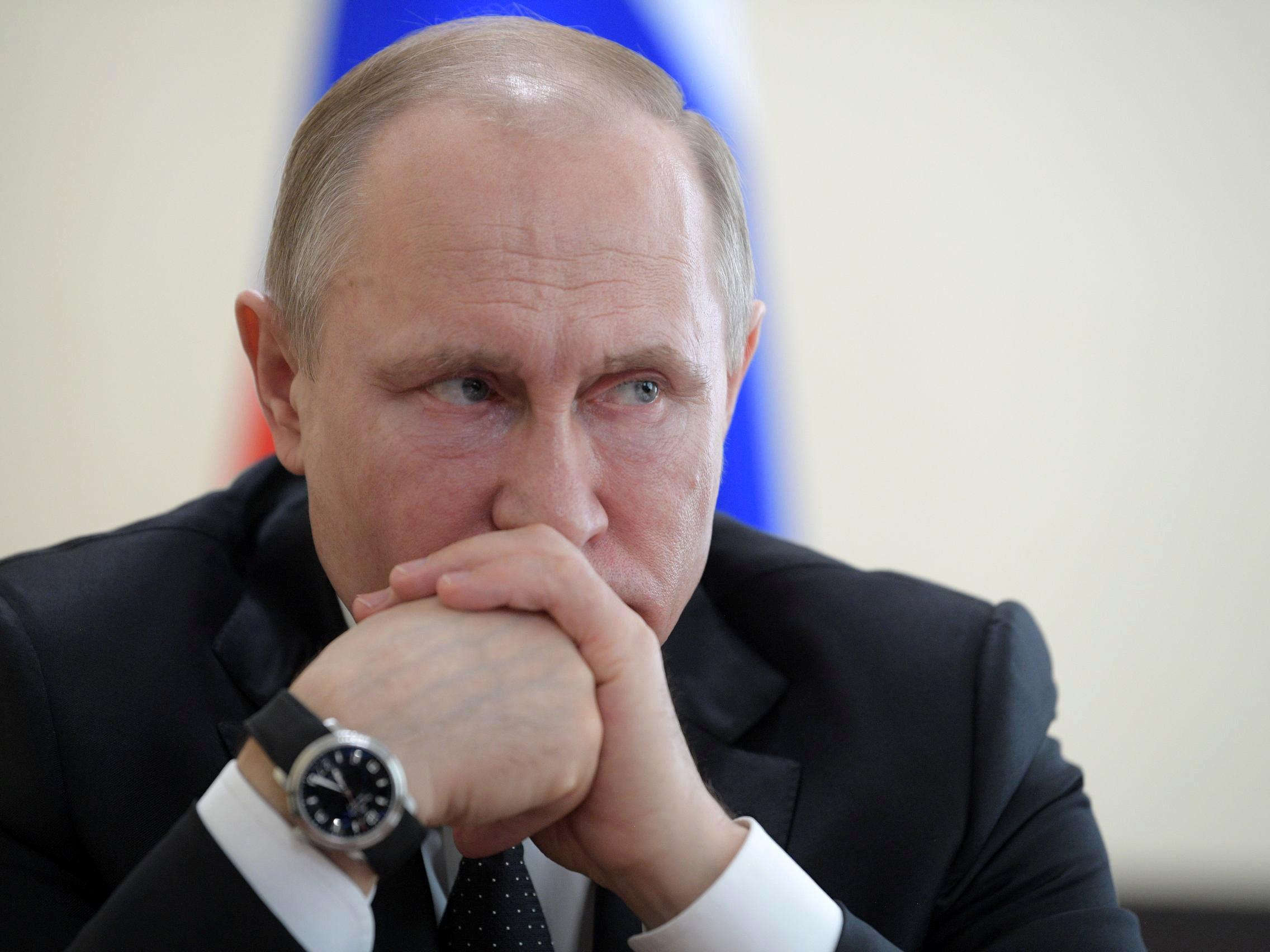 Владимир Путин пытается перейти к режиму лояльных