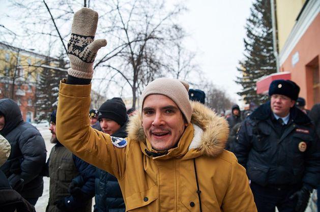 Александра Балашова арестовали за вопросы представителю полиции на митинге в Кемерово