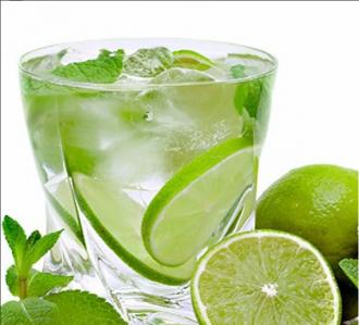 Дольки лимона в напитках таят опасные микроорганизмы