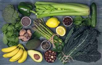 фрукты_овощи_банан_авокадо_орехи_спаржа_перец_огурцы