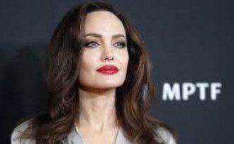 Джоли удивила поклонников откровенным заявлением