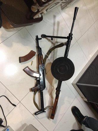 Пистолет и пулемет