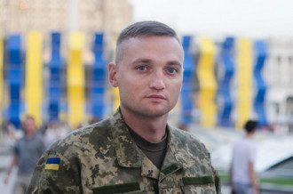 Герой Украины Владислав Волошин выстрелил в себя из боевого пистолета, врачи не смогли его спасти.