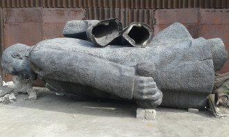 В Мариуполе уже не хотят продавать памятники Ленину